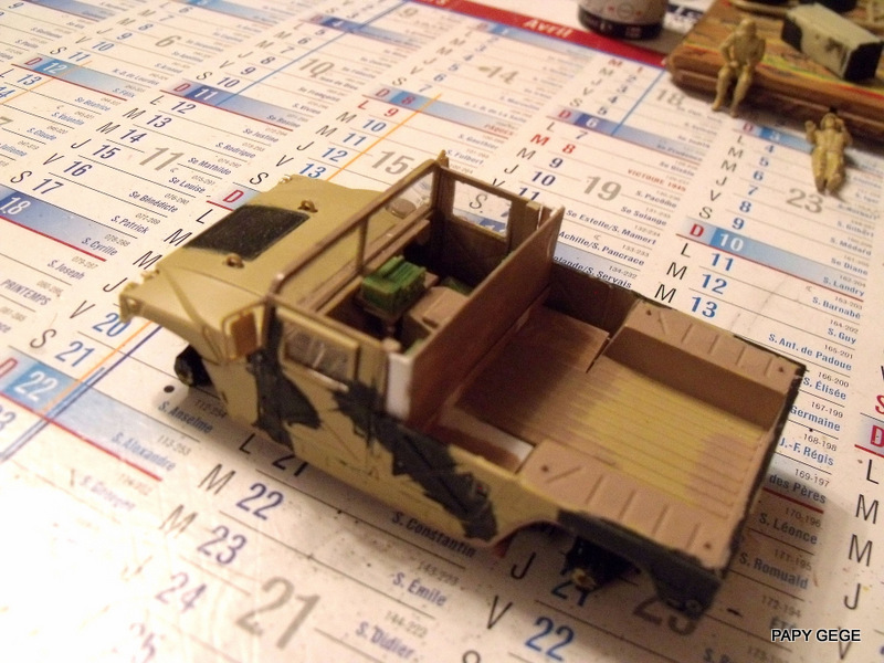 HUMVEE AVENGER au 1/48 base Tamiya Humave26