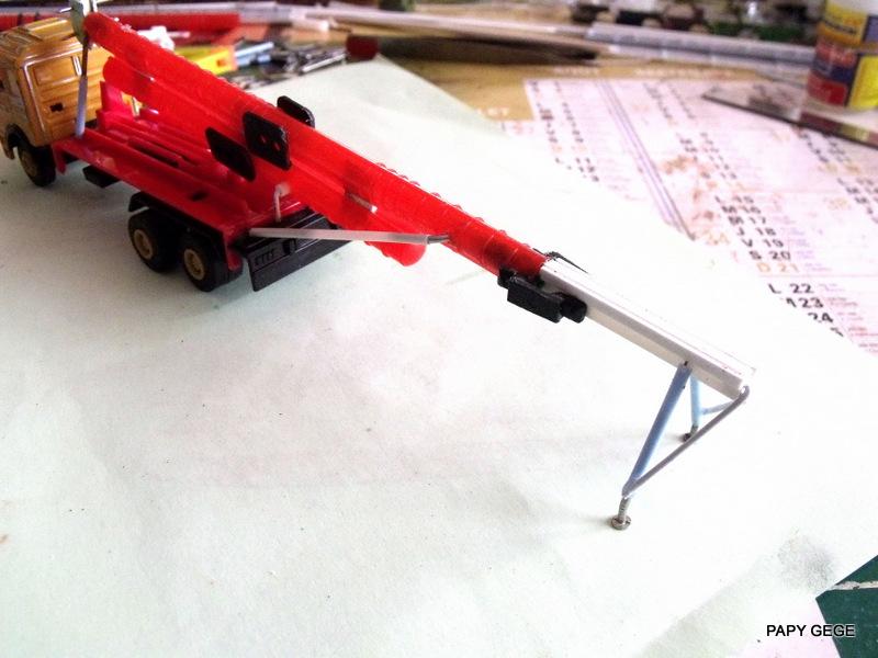 LANCEUR DE DRONES AU 1/60  Landro26