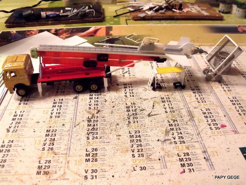 LANCEUR DE DRONES AU 1/60  Landro37