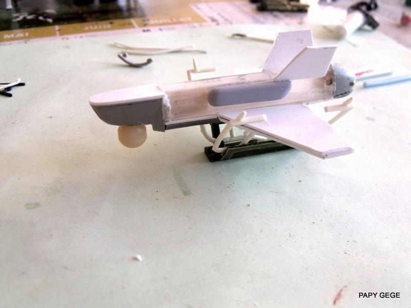 LANCEUR DE DRONES AU 1/60  Landro44