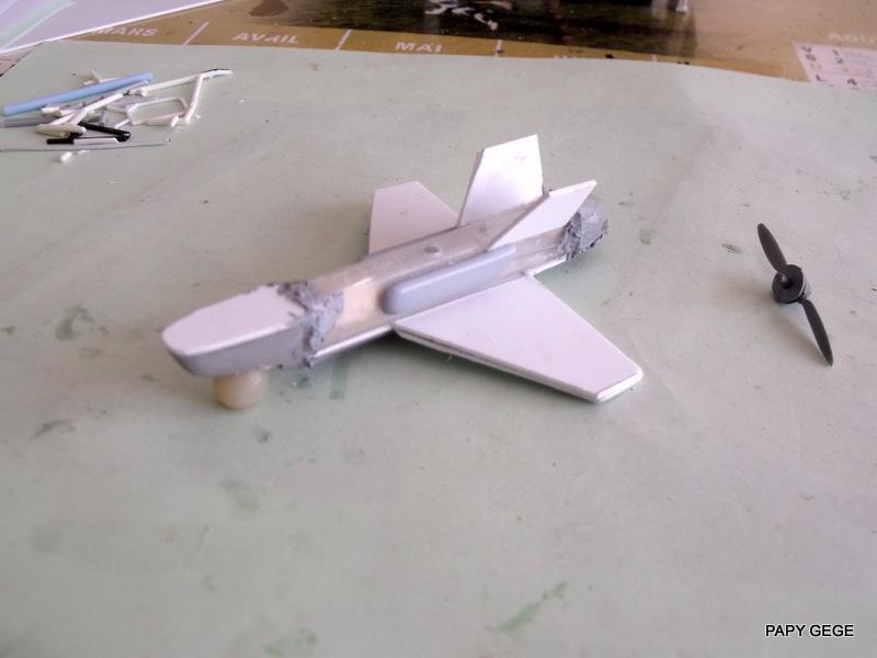 LANCEUR DE DRONES AU 1/60  Landro49