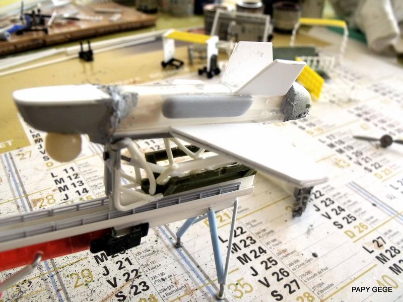 LANCEUR DE DRONES AU 1/60  Landro55