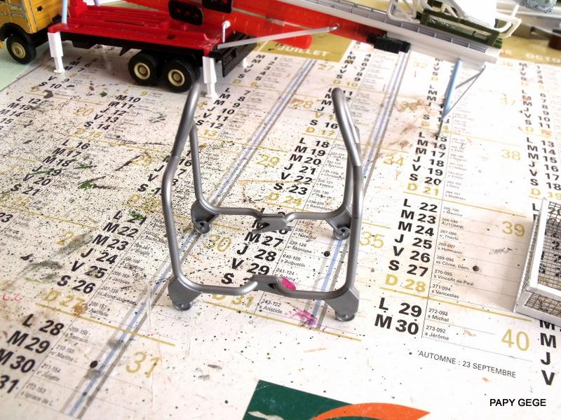 LANCEUR DE DRONES AU 1/60  Landro59