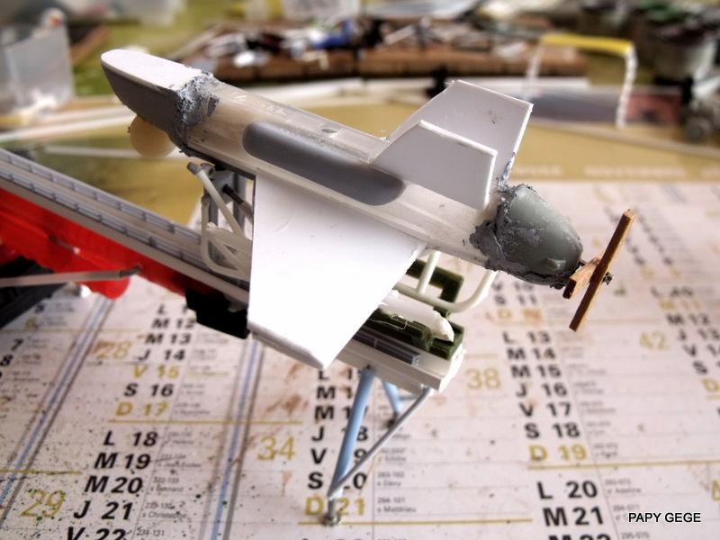 LANCEUR DE DRONES AU 1/60  Landro61