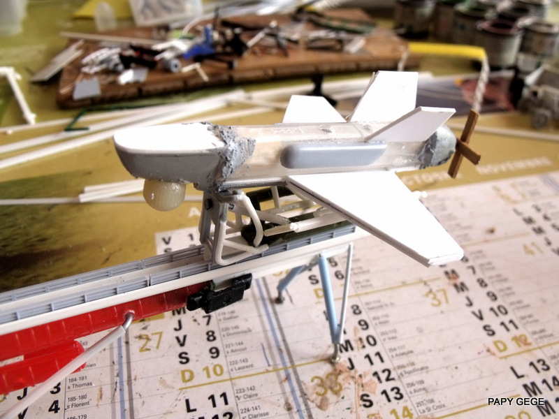 LANCEUR DE DRONES AU 1/60  Landro63