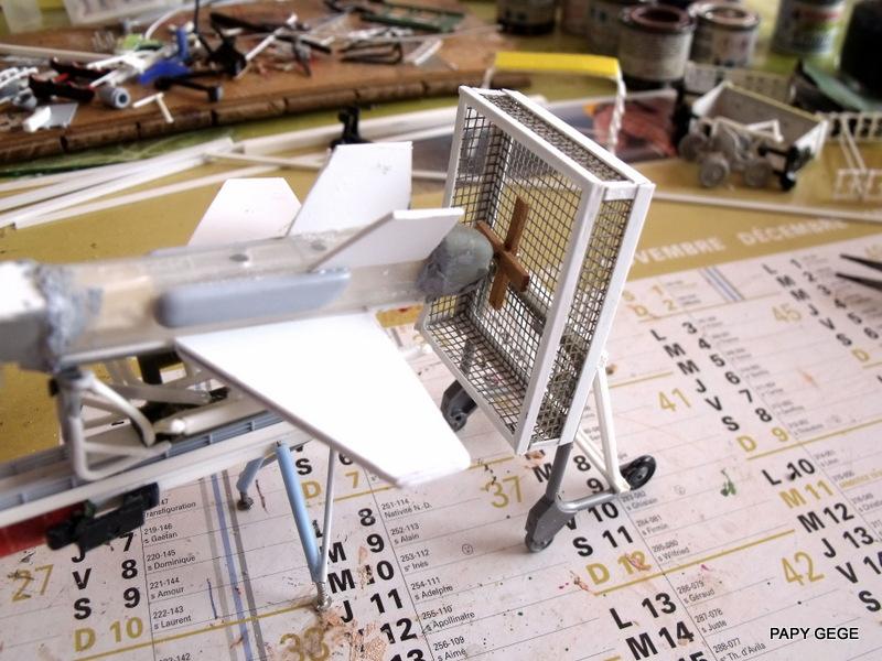 LANCEUR DE DRONES AU 1/60  Landro65