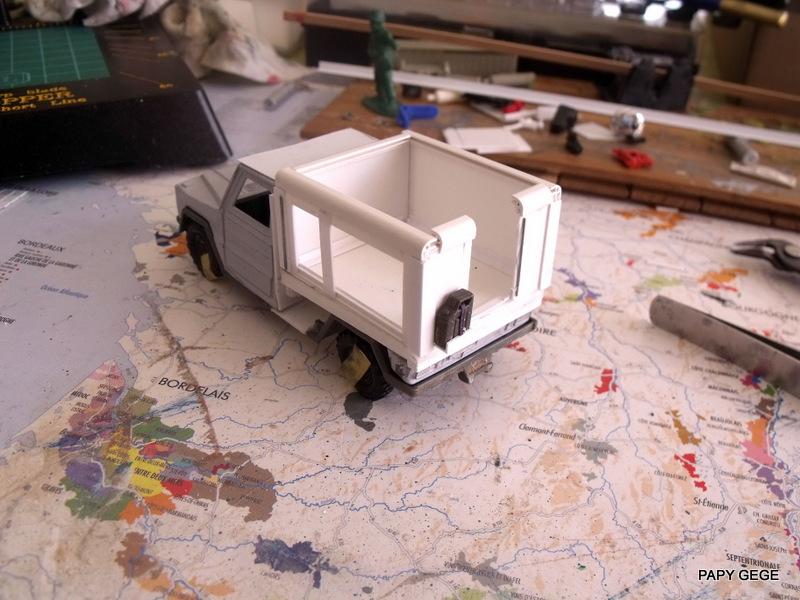 Peugeot P4 Atelier au 1/43 en scratch  P4at_112