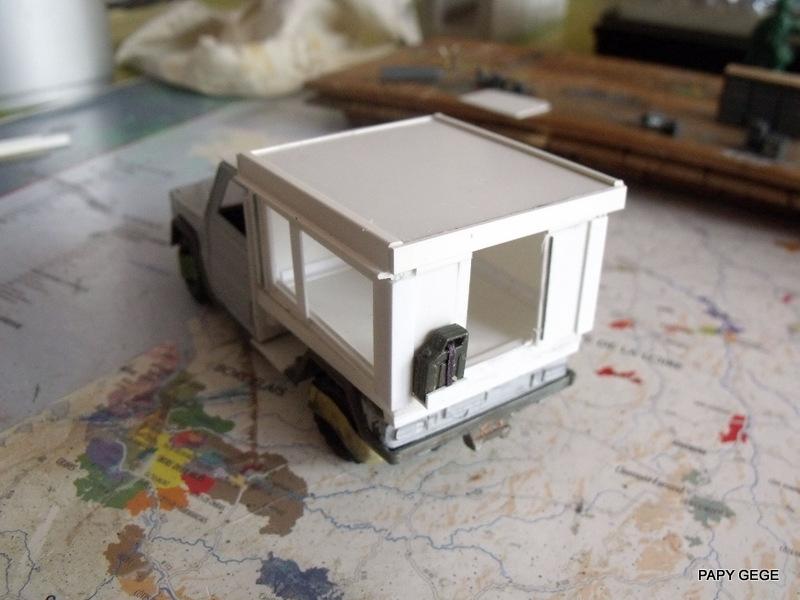 Peugeot P4 Atelier au 1/43 en scratch  P4at_210