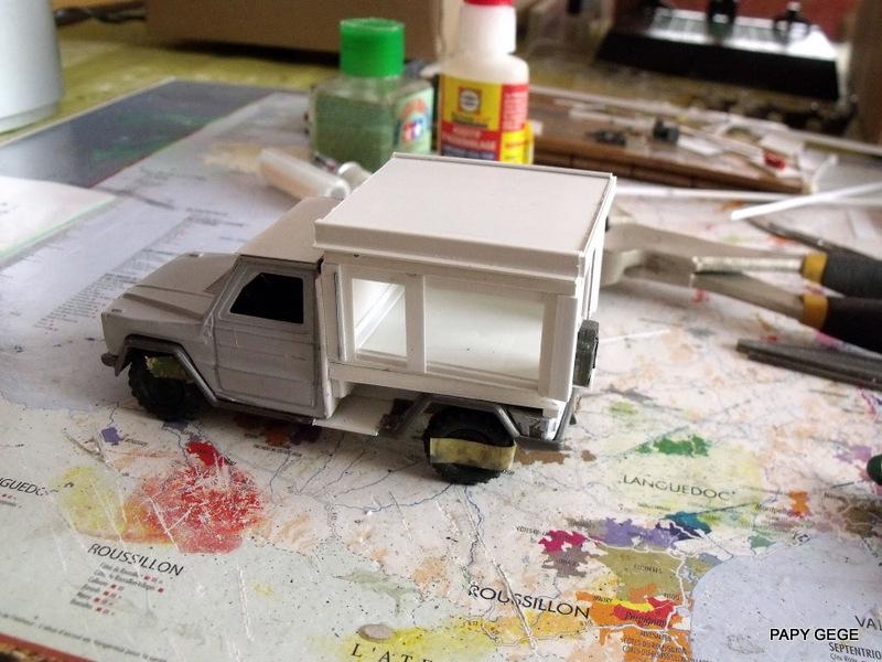 Peugeot P4 Atelier au 1/43 en scratch  P4at_217