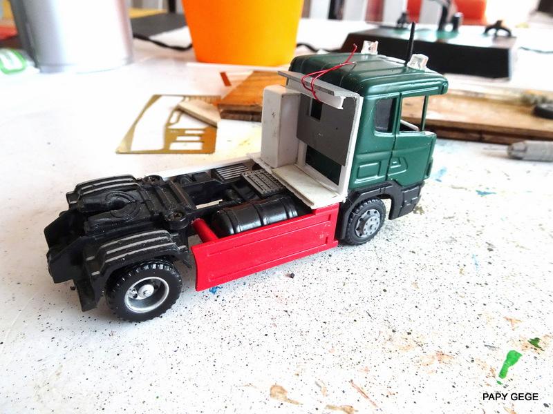 SCANIA PORTE CHAR base Teama au 1/50 Scania75