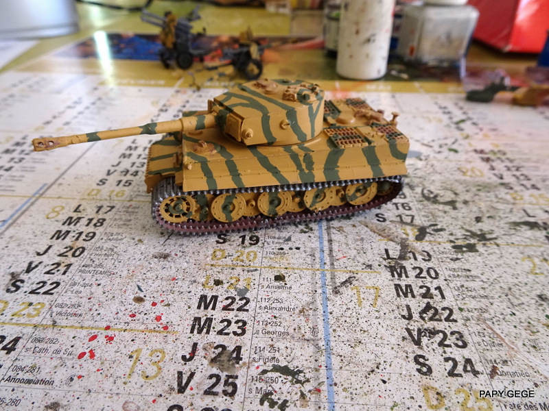 PzKwf VI  TIGER au 1/72 Heller Tiger_22