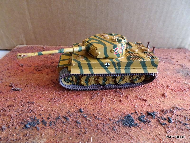 PzKwf VI  TIGER au 1/72 Heller Tiger_26