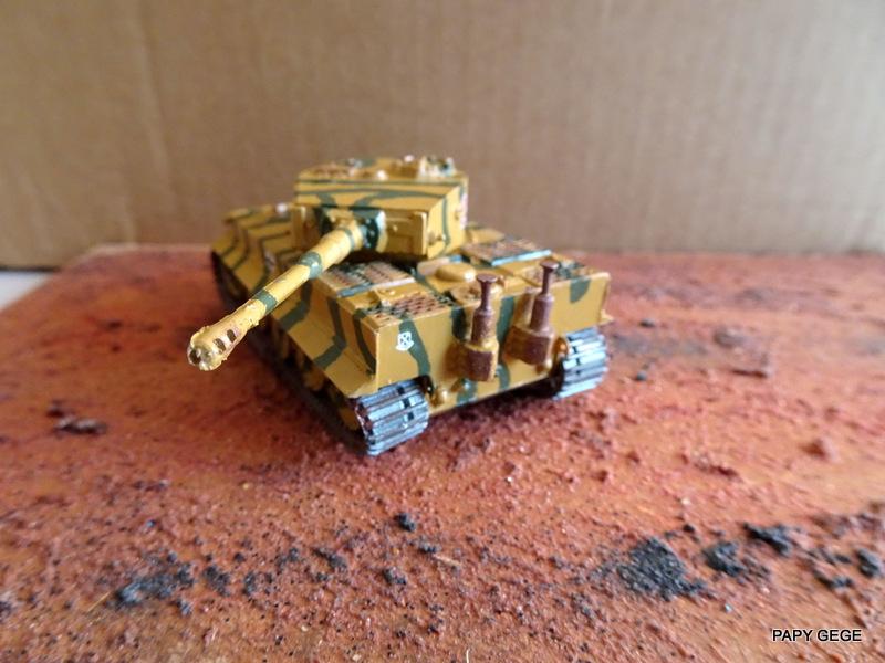 PzKwf VI  TIGER au 1/72 Heller Tiger_27