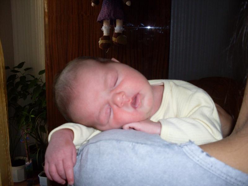Картинки на малки бебета! Sdc10011