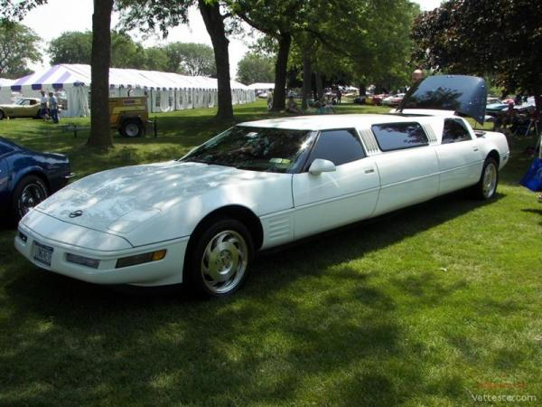 Une limousine avec 2 C4  C4_lim10