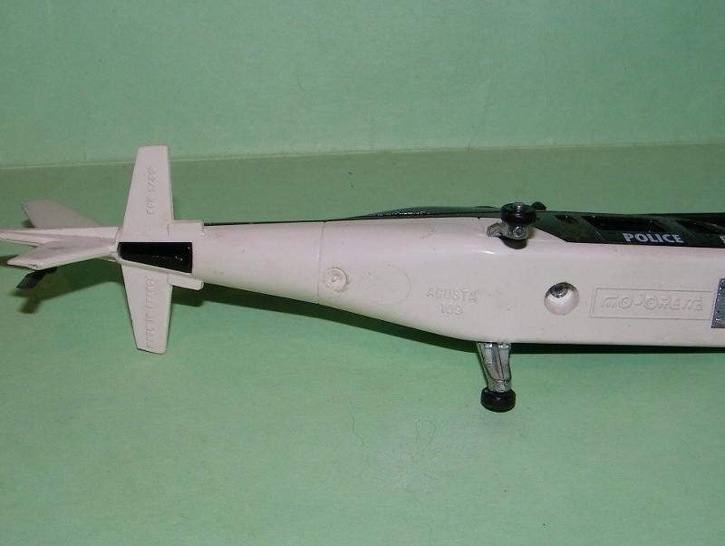 N°3043 Hélicoptère Agusta 109 101e1914