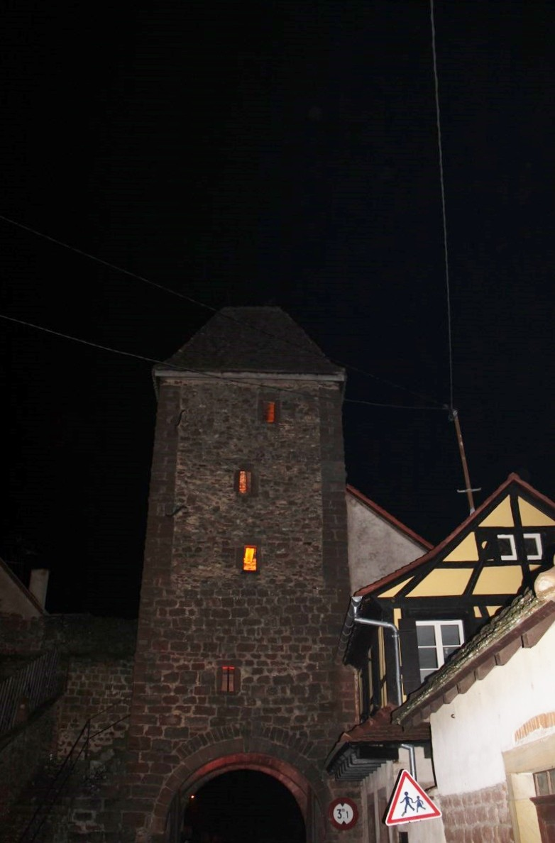 Promenade de la Saint Martin le 11 novembre 2014 à 18h devant le Niedertor de Wangen Img_2526