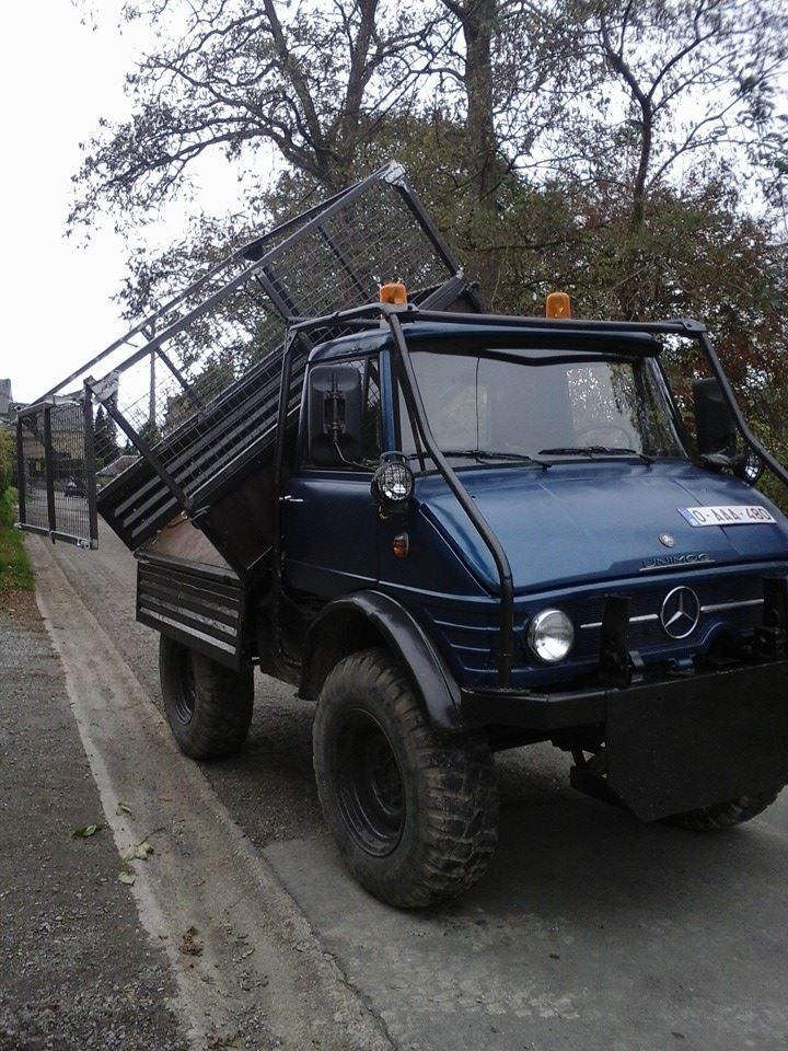 Le 406 de 1967 restauré par les jum's liègeois Mog510