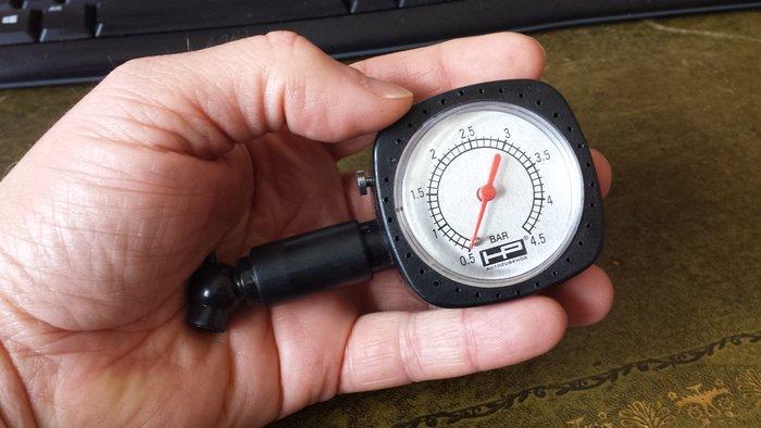 Mano pression air Mano_p12