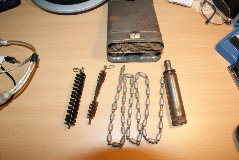 Boites de nettoyage R.G. 34 pour Mauser 98k - Page 2 Dsc00915