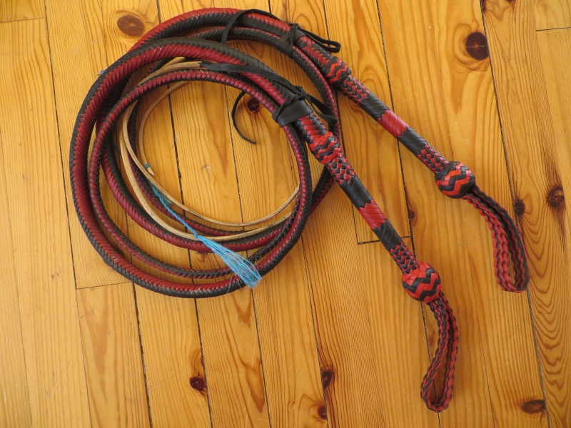 7ft black and red bullwhip pair Img_4710