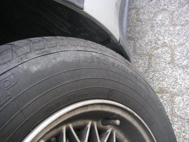 [e32 750i an 92] dimensions pneus d'origine Pict0213