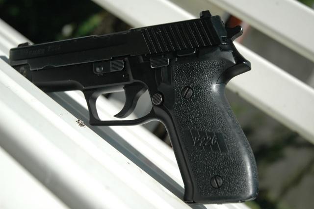 Futur achat d'un P220 Feu_li22