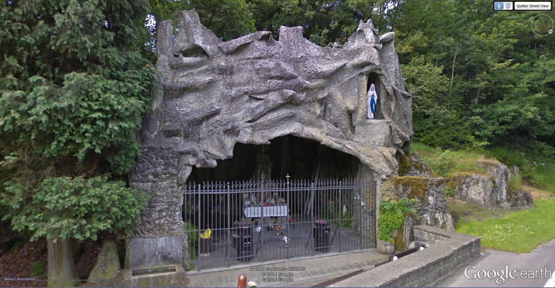 Les répliques de la grotte de Lourdes - Page 2 2014-124