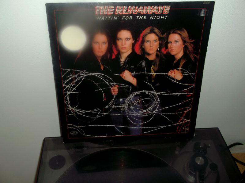 "THE RUNAWAYS ""Waitin' for the Night""  (1977) Dscf1110"