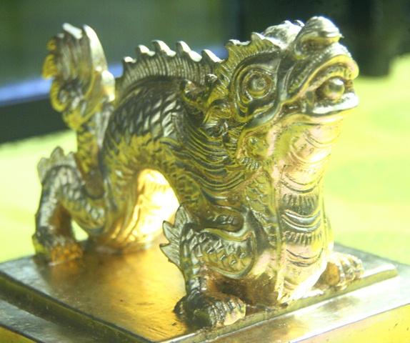 11 chiếc ấn rồng vàng tinh xảo của triều Nguyễn 20512-10