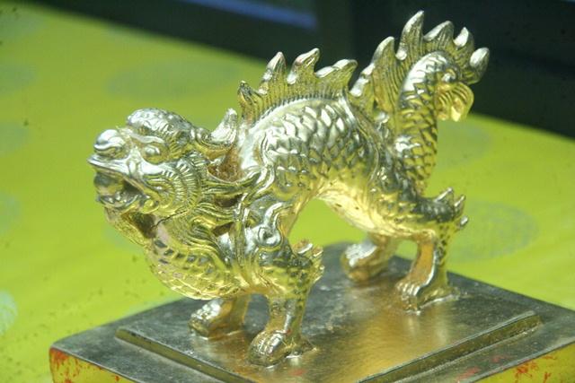 11 chiếc ấn rồng vàng tinh xảo của triều Nguyễn 20513-10