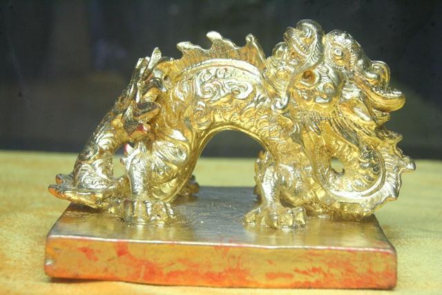 11 chiếc ấn rồng vàng tinh xảo của triều Nguyễn 20516-10