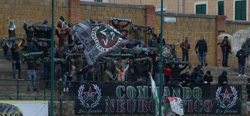 Stagione Ultras 2017-2018 - Pagina 2 D13