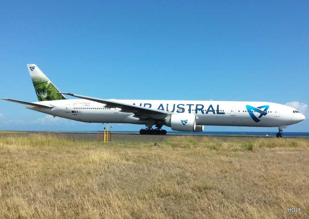 nouvelle livrée d'Air Austral à La Réunion Attach11