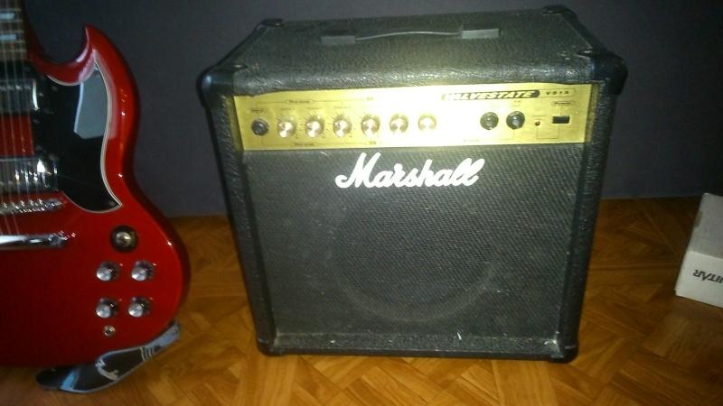 [VENDU] Vends guitare Epiphone G400 + Ampli Marshall + pédale d'effets ZOOM Dsc_0711