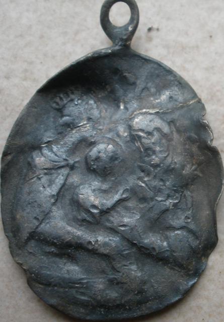 Médaille argent XVIIIème - ND-de-Liesse et Ste Famille Shiv510