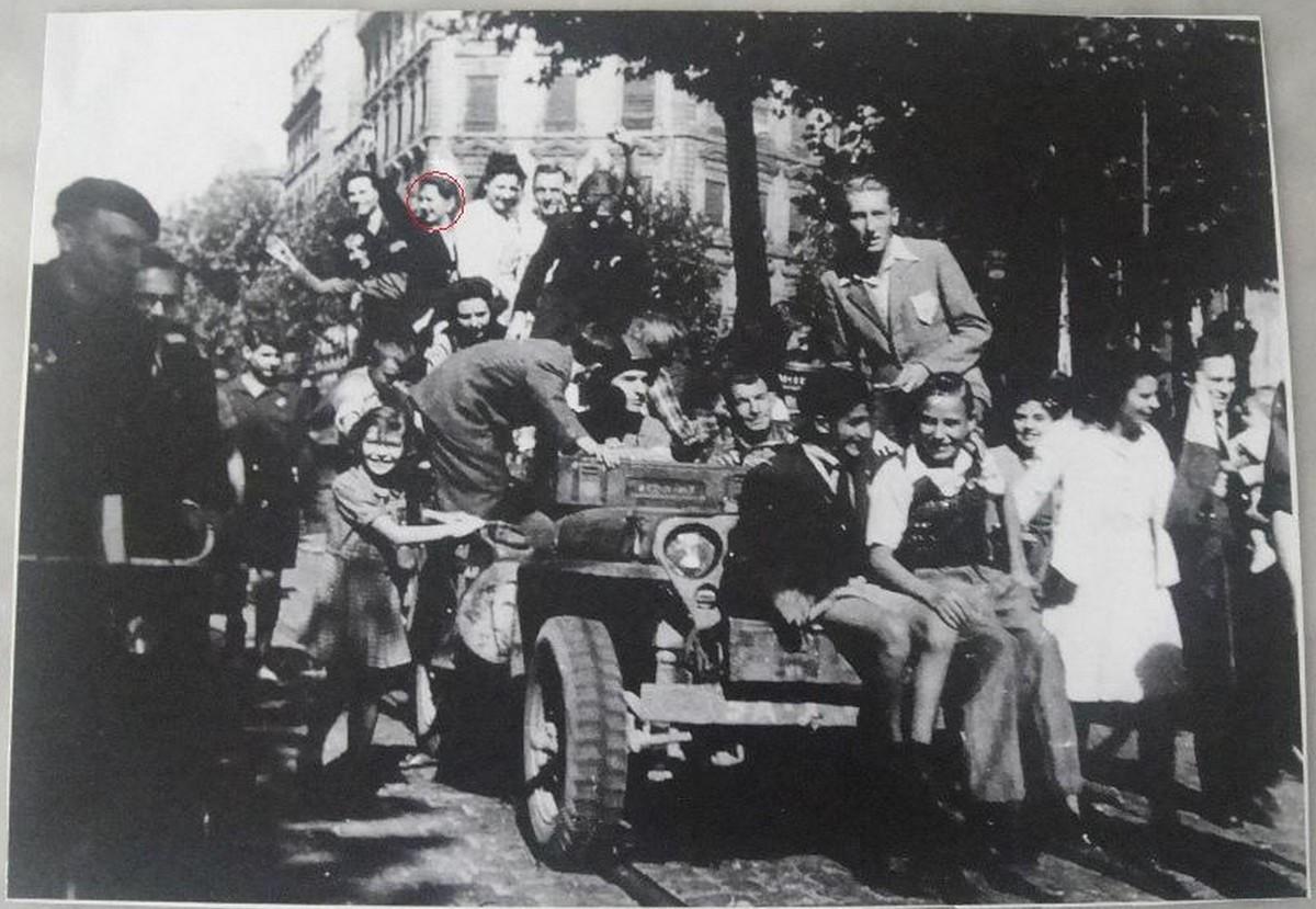 [Histoires et Histoire] SOUVENIRS DE LA LIBÉRATION - Période 1939 - 1946 - Page 2 044