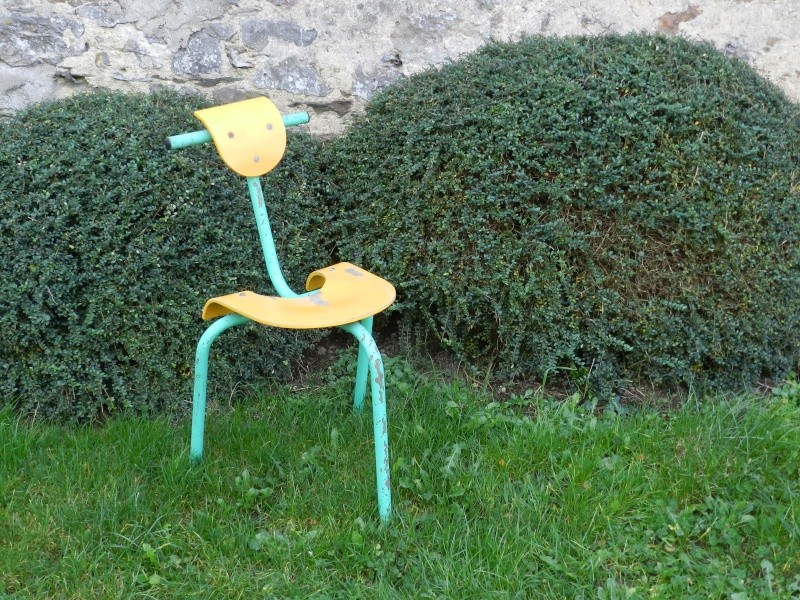 Bec poilu, une association créatrice de mobilier de récupération Vauvyr13
