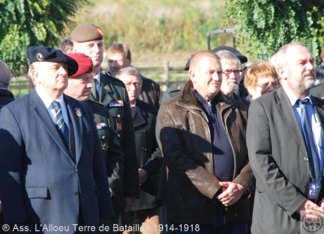 _ Cérémonie à Ramscapelle. (Unités belges et françaises) Sl_dsc11