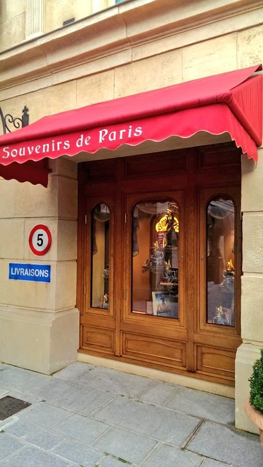 Boutique Chez Marianne Souvenirs de Paris  - Page 2 15076310