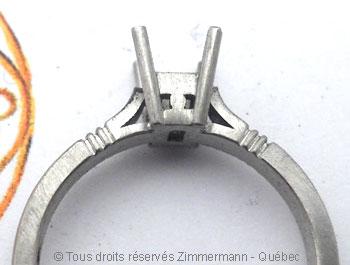 Solitaire palladium avec diamant taille émeraude de 43/100 ct Sopa0828