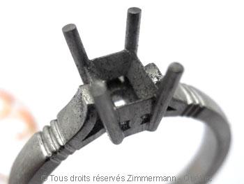 Solitaire palladium avec diamant taille émeraude de 43/100 ct Sopa0830