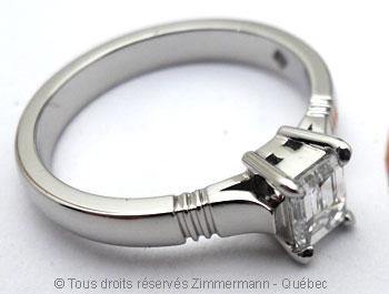 Solitaire palladium avec diamant taille émeraude de 43/100 ct Sopa0831