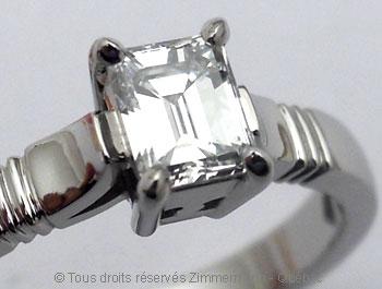 Solitaire palladium avec diamant taille émeraude de 43/100 ct Sopa0833