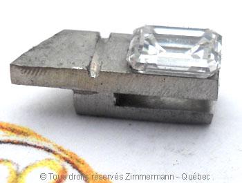 Solitaire palladium avec diamant taille émeraude de 43/100 ct Sopa0834