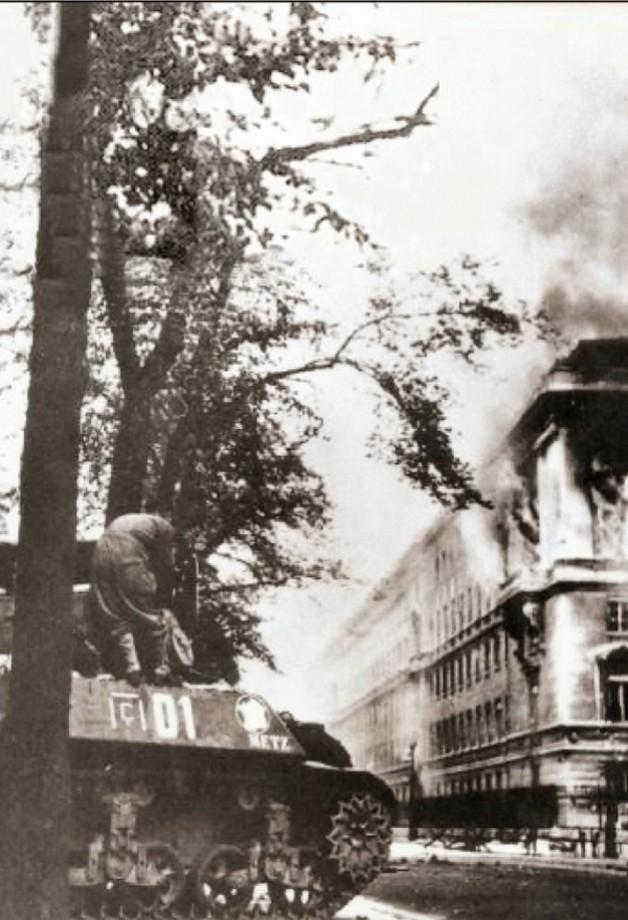 [Histoires et Histoire] SOUVENIRS DE LA LIBÉRATION - Période 1939 - 1946 - Page 2 Photo11
