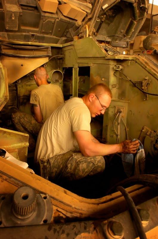 M2 A3 Bradley busk 1-35 meng  10310610