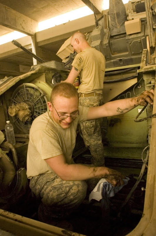 M2 A3 Bradley busk 1-35 meng  10310710