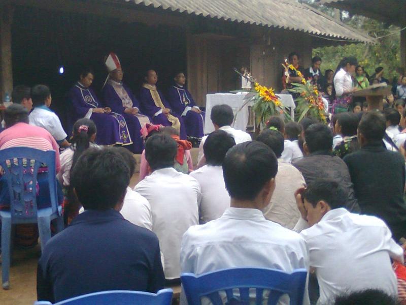 HMOOB CATHOLIC NYOB COB TSIB TEB (Hmong Catholic Vietnam) - Page 5 Hocnh_13
