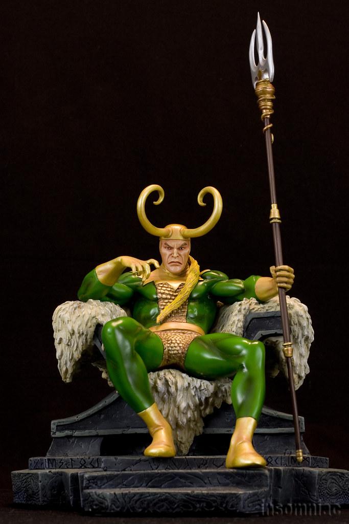 IRON STUDIOS : ODIN Deluxe 1/10 Art Scale Statue Loki-b10